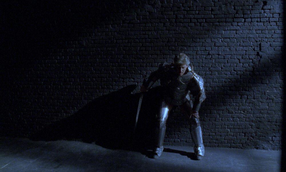Jan Fabre, Knight of the Night (Lancelot, 2004, super-16 mm film, 8' 17''), galleria Il Ponte, Firenze