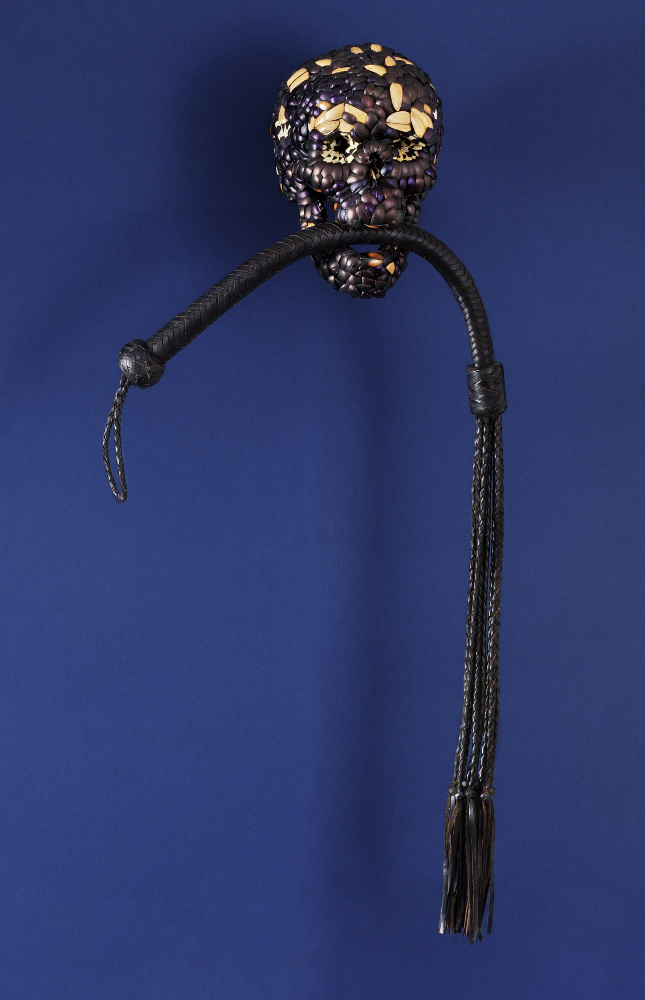 Jan Fabre, Skull with Whip, 2013, galleria Il Ponte, Firenze