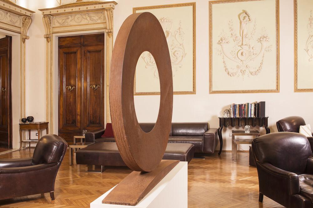 Mauro Staccioli, Anello 1996, at Relais Santa Croce, galleria Il Ponte, Firenze