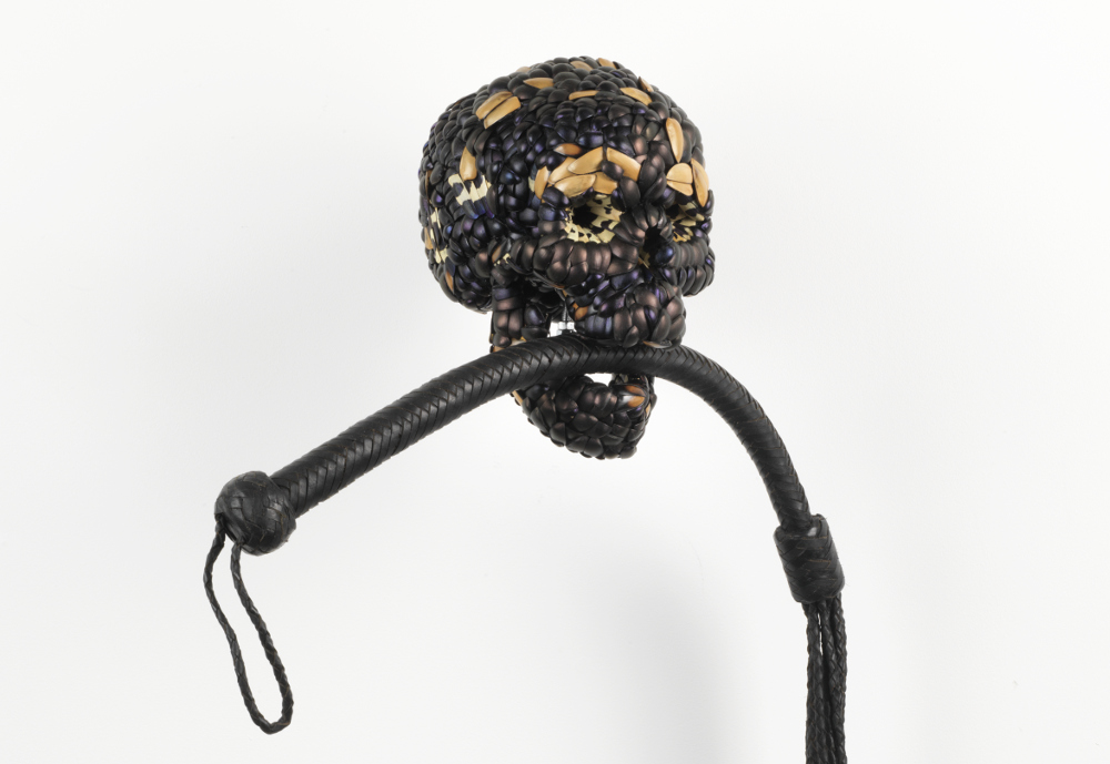 Jan Fabre, Skull with Whip, 2013, galleria Il Ponte, Firenze_1