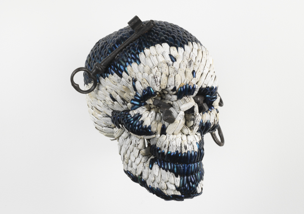 Jan Fabre, Skull with the Keys of Hell, 2013, galleria Il Ponte, Firenze_1