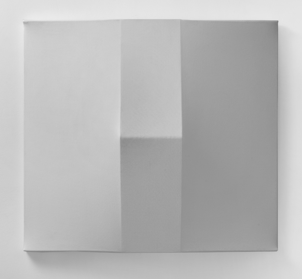 Bruno Gambone, Oggetto, 1970, shaped canvas 100x100x20 cm, galleria Il Ponte, Firenze