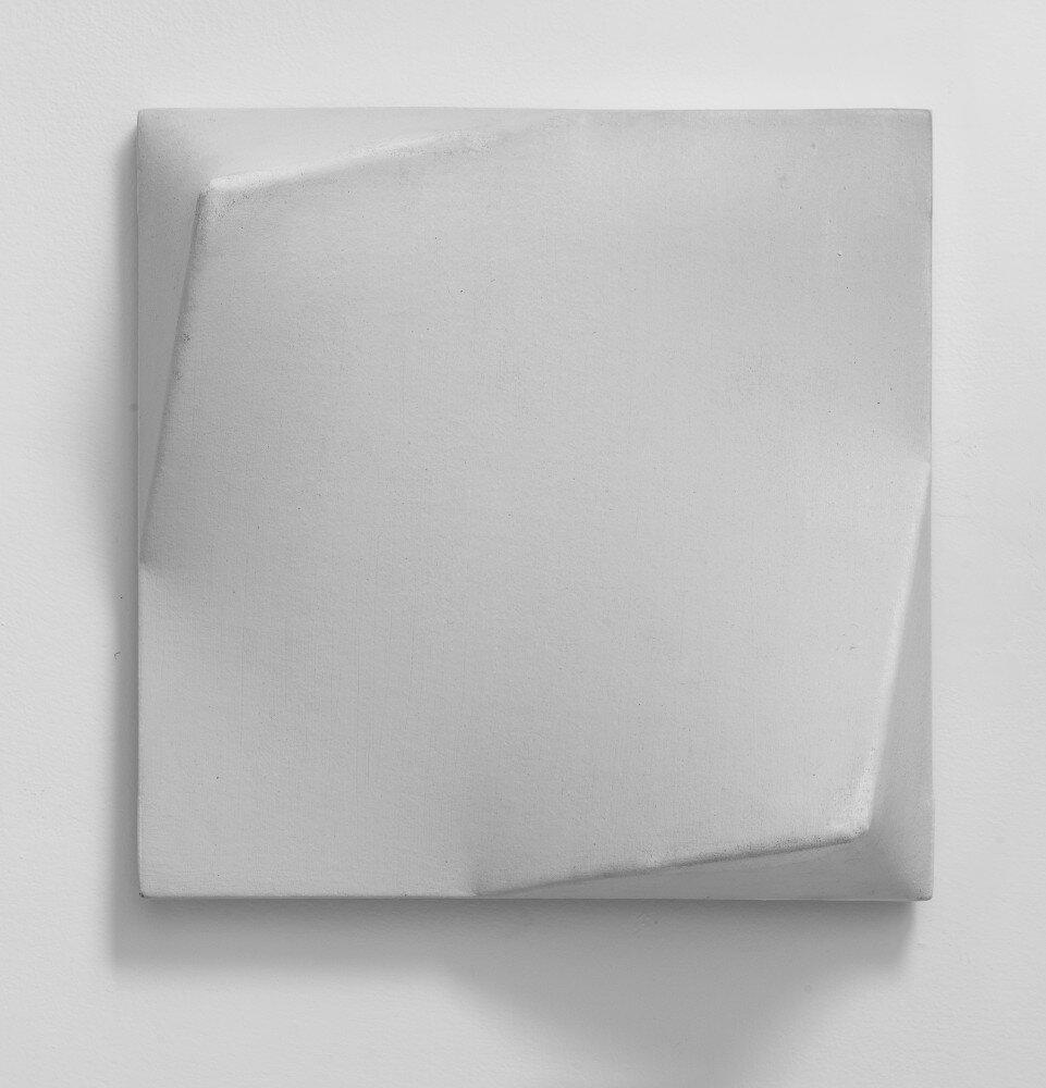 Bruno Gambone, Oggetto, 1970, shaped canvas 32,5x32,5x10 cm, galleria Il Ponte, Firenze
