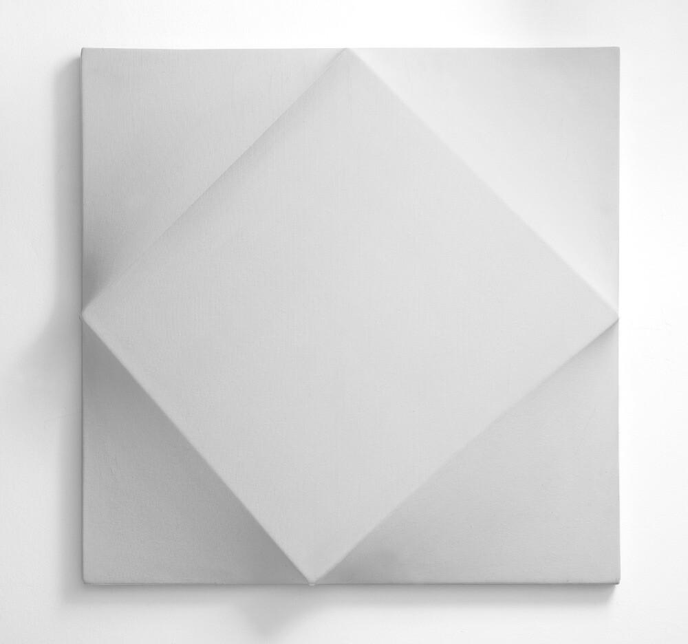 Bruno Gambone, Oggetto, 1970, shaped canvas 70x70x4 cm, galleria Il Ponte, Firenze