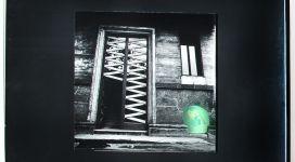 Il sogno di Davide (portone Corso Sempione), 1968, Light box (b/w photograph and color diapositive in a wooden box, neon, glass, metal), 60,50 x60x16 cm