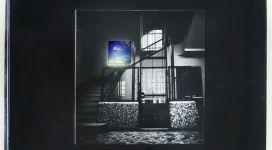 Il sogno di Davide (scale e ascensore), 1968, Light box (b/w photograph and color diapositive in a wooden box, neon, glass, metal), 60,50 x60x16 cm