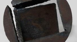 Giuseppe Spagnulo, Cerchio spezzato, 2006, steel 21x22,5x20 cm